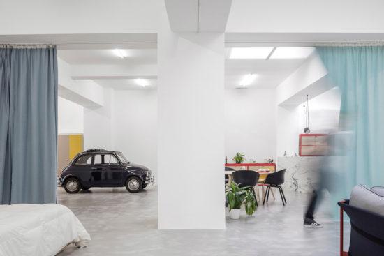 Neugestaltung einer fensterlosen Garage durch Fala Atelier
