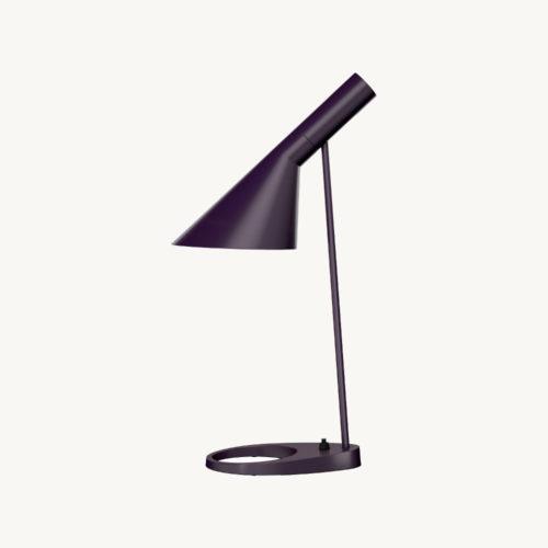 Louis-Poulsen-Lampe-AJ-Tischlampe-Aubergine