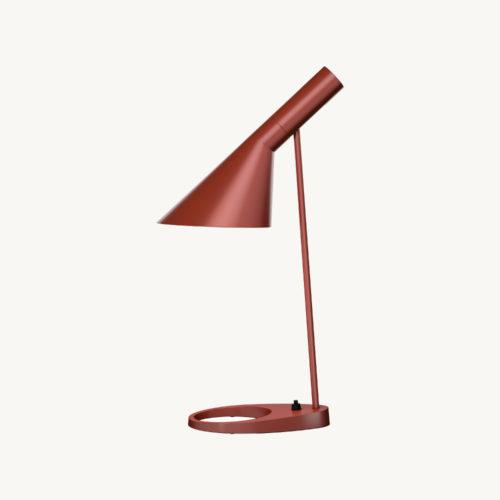 Louis-Poulsen-Lampe-AJ-Tischlampe-RustyRed